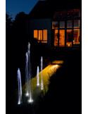 Jets d'eaux lumineux de nuit